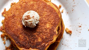 Fluffy-Pumpkin-Pancakes-with-Butter-1